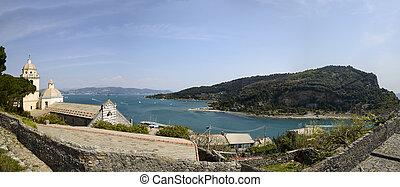 Palmaria island and san Lorenzo church - scenic view of...