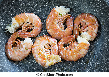 pan-seared king prawns