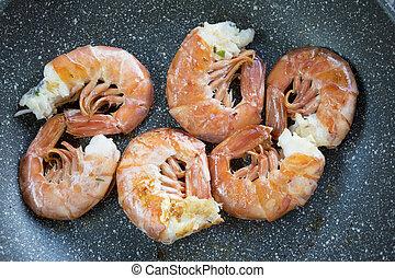 pan-seared king prawns