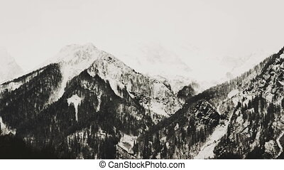 Pan view of the mountains