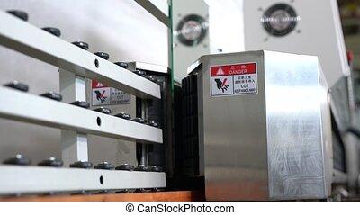 Pan view on Conveyor mechanism for glass polishing - Pan ...