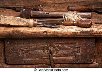 panca legno, e, arrugginito, attrezzi