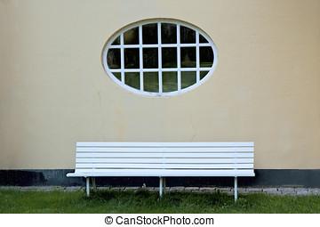 Panca pietra finestra sotto muro pietra casa sotto - Panca sotto finestra ...