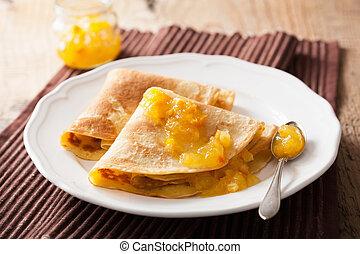 pancakes with orange marmalade