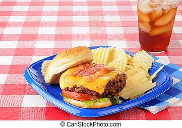 pancetta affumicata, tavola picnic, cheeseburger