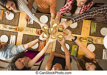 pane tostato, amici, detenere