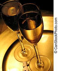 pane tostato, champagne