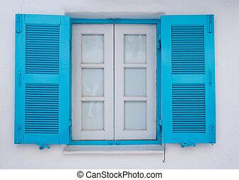 Panes blue white walls.