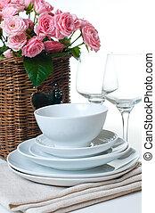 panier, fleurs, plats, serviettes