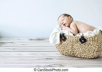 panier, mignon, dormir, enfantqui commence à marcher, osier