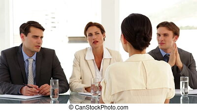panneau, interviewé, femme affaires, incertain, être