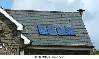 panneaux, solaire, toit, couvert bardeaux, house's