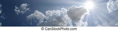 panorámico, cielo azul, con, nubes, y, sol, lugar, para, su, texto