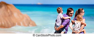 panorámico, vacaciones, foto familia