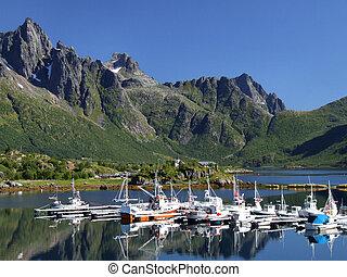 panorâmico, iate, marina, em, noruega