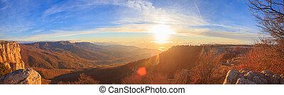 panorâmico, paisagem montanha, com, outonal, colinas,...