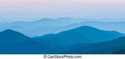 panorama, av, fjäll, åsar, silhouettes
