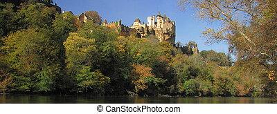 Panorama, Castle Montfort , valley, forest, autumn,