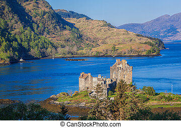 panorama, de, castillo eilean donan, en, tierras altas, de,...