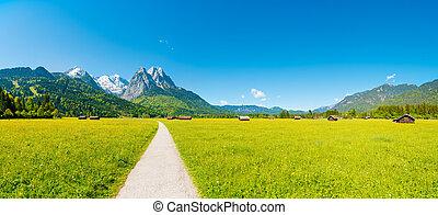 panorama de la montaña, delante de, cielo azul, (garmisch, -, partenkirchen)