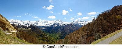 panorama, de, paisagem montanha, em, a, pyrenees, frança