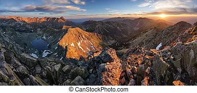 panorama, de, tatra, montaña, en, ocaso