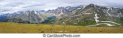 panorama, di, montagne rocciose, in, jasper parco nazionale, canada