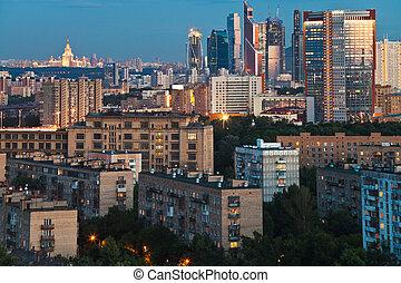 panorama, i, byen, hos, halvmørket