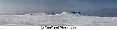 panorama mesas on Bering Island winter day