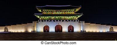 Panorama night time image of the Gwanghwamun Gate