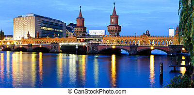 Panorama oberbaum bridge, berlin, germany - panorama with...