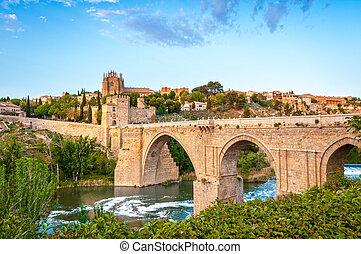 Panorama of famous Toledo bridge in Spain, Europe. -...