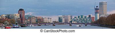 Panorama of London Skylines
