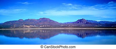 Panorama of Roosevelt Lake Arizona - Mountain and ...