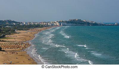 Panorama of Vieste beach, Gargano natural park, Puglia, ...