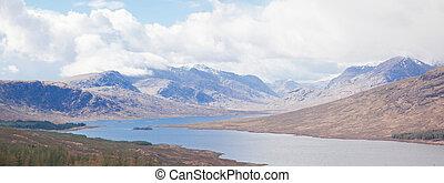 panorama, schnee, bergkette, schottland