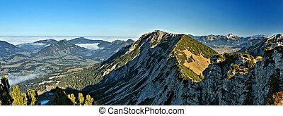 Panorama-View - Ausblick auf die sommerlichen Allgaeuer...