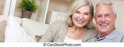 Panorama Web Banner Happy Senior Man & Woman Couple