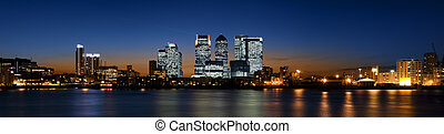 Canary Wharf - Panoramic picture of Canary Wharf view from ...