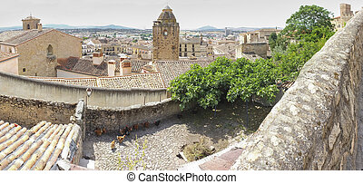 Panoramic view from Castle to the centre of medieval ...