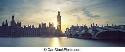 Panoramic view of Big Ben at sunset