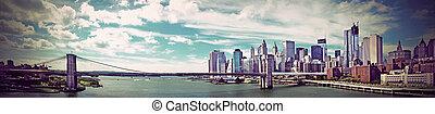 Brooklyn Bridge - Panoramic view of Brooklyn Bridge in New ...
