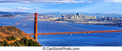 Panoramic view of famous Golden Gate Bridge and downtown San...