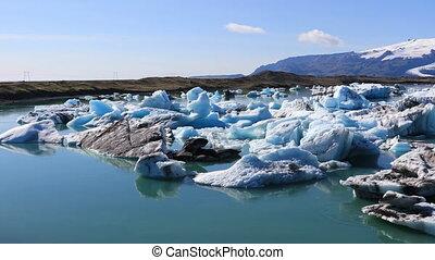 Panoramic view of glacial lake Jokulsarlon, Iceland -...