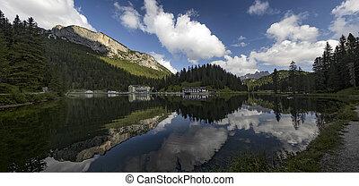 Misurina lake