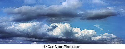moody sky - Panoramic view of moody sky