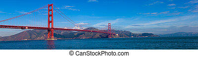 Panoramic View of the Golden Gate Bridge in San Francisco, ...