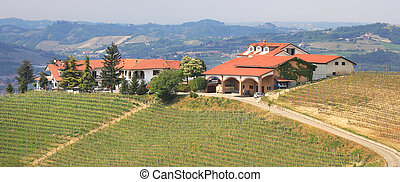 Panoramic view on farmhouse on the hill in Italy. - ...