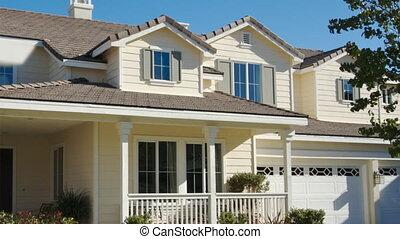 panoramica, venduto, casa, segnale vendita, e, casa