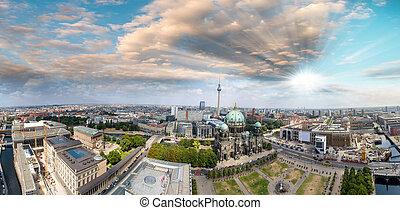 panoramique, berlin, vue, aérien, cathédrale